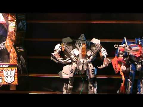 Human Alliance Jazz w\/ Captain Lennox, Leader Class Starscream, and more! Toy Fair 2010