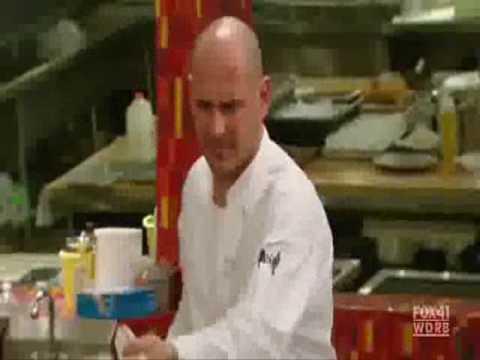 Hell S Kitchen Gordon Ramsay Shouts At Customer