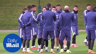Lionel Messi trains with Argentina squad in Manchester - Daily Mail