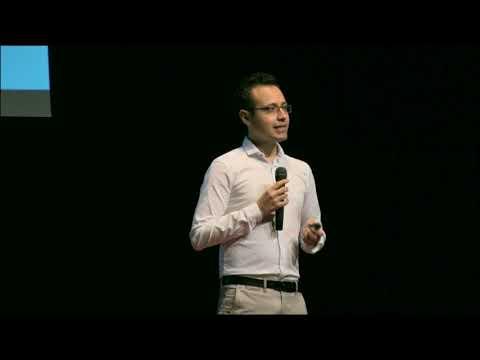 TEDx Talks: La tecnologías y comunidades para abrirnos oportunidades | Miguel Angel Nieva | TEDxParqueViveros