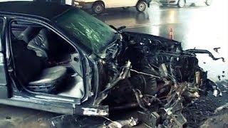 В Одессе Лихач на BMW Спровоцировал ДТП, в Котором Погиб Его Пассажир.(10.02.14. В Одессе по улице Водопроводная двигался автомобиль BMW 535 под управлением водителя 1991 года рождения,..., 2014-02-12T08:41:57.000Z)