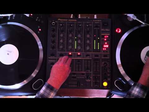 Quick 3 song Electro house mix, vinyl turntables