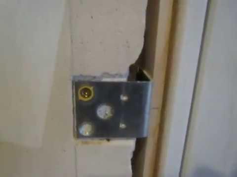 установка межкомнатной двери и доборов