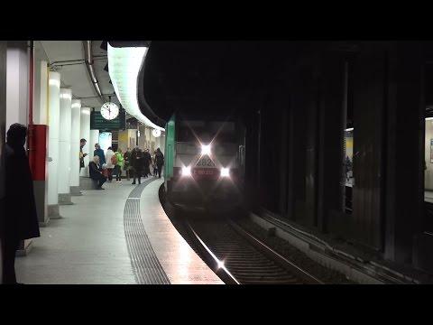 NMBS TRAXX 2821 + Beneluxtrein station Brussel-Centraal