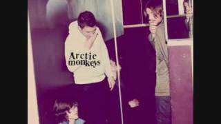 Arctic Monkeys - Crying Lightning - Humbug