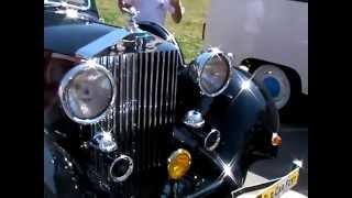 Старичек Rolls Royce Phantom 2