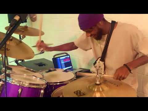 J Crump -  Drake - Gods Plan 🥁🎶 Drum Cover