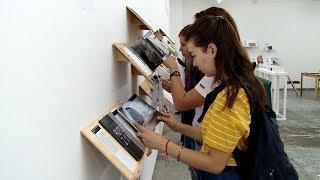 Руками не трогать: в Краснодаре открылась выставка фотокниг «Суперобложка»