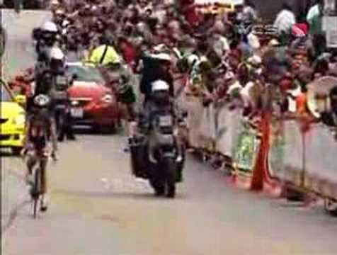 Huff crashes in the final lap of the Tour of Missouri