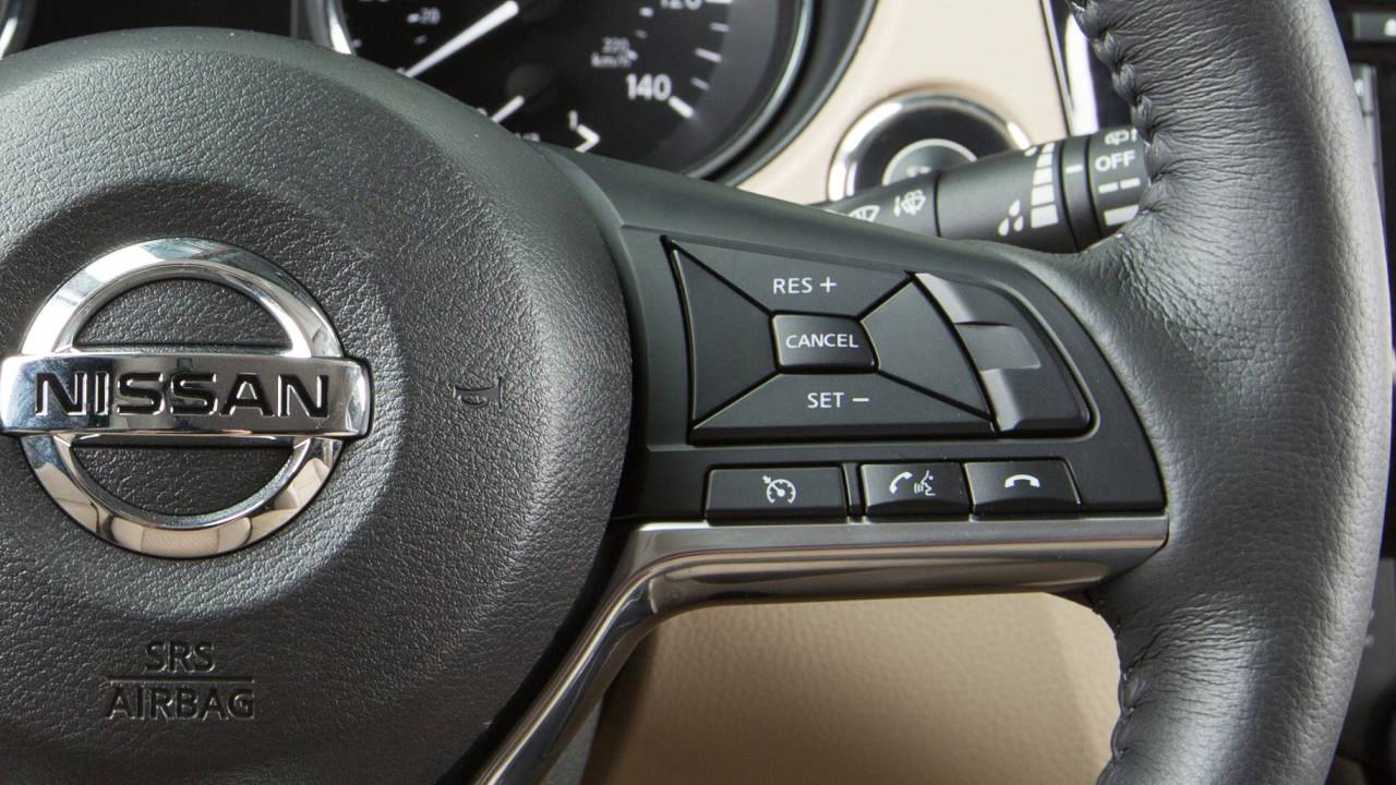 Nissan Rogue Owners Manual: Vehicle identification