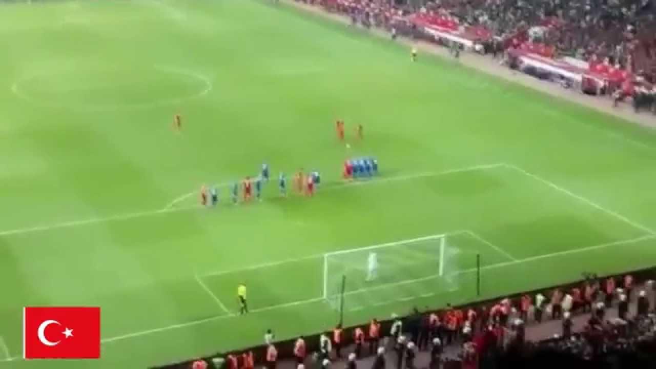 Türkiye - İzlanda 1-0 Frikik Gol Selçuk İnan (Efsane Anlatım Konyalıdan) -Tribün Çekimi