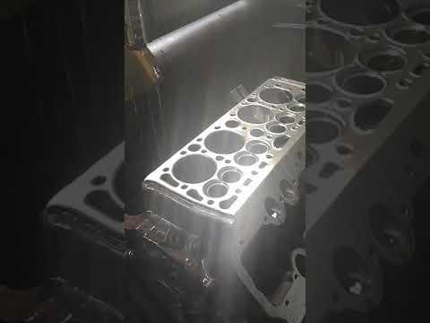 V8 Silnik dolnozaworowy honowanie cylindrów
