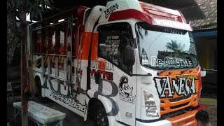 Download Video Kombinasi Truck Modifikasi Cakep by GR JAYA KAROSERI MP3 3GP MP4