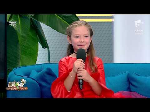Maria Nicole, un succes în rândul celor mici. Când nu este pe scenă, este actor și model