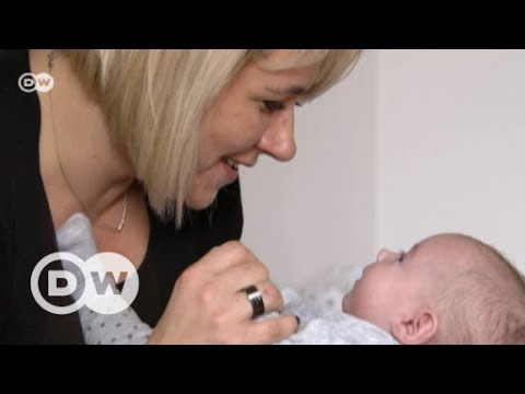 Polinnen kümmern sich um abgeschobene Babys | DW Deutsch