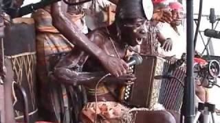 "Bolya We Ndenge - ""Bosamba Ndeke"" (Congotronics 2)"