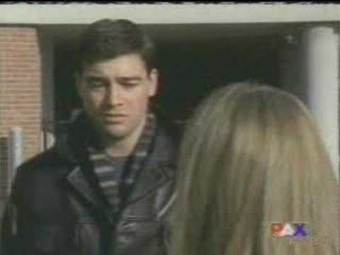 Kyle Chandler Early Edition Weathergirl (extended)