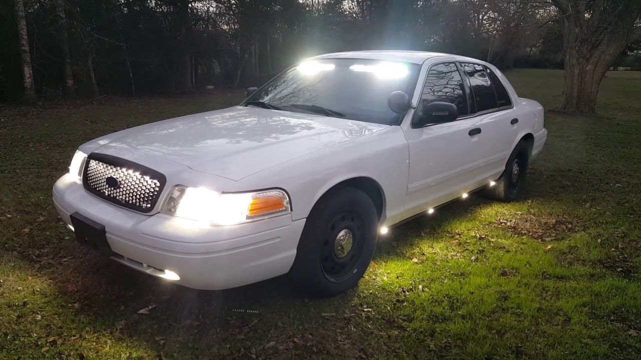 EFS demo vehicle Crown Vic police lights Feniex - YouTube