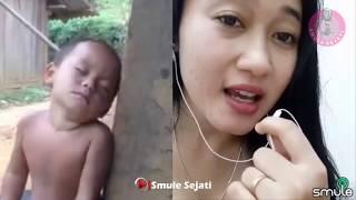 Download Video SUARA MERDUNYA BIKIN ANAK KECIL INI TERTIDUR - SMULE FITRI TERBAIK MP3 3GP MP4