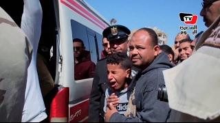 محافظ السويس و«عبد اللاه» يتقدمون جنازة شهيد سيناء وسط انهيار وبكاء الأهالي