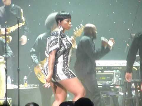 Fantasia Dancing to DC GOGO ~ Back To Me Tour 2010 DC