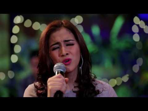 Nina Zatulini - Butiran Debu (Rumor Cover) (Live at Music Everywhere) **