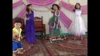 Isha performing Dil to pagal hai song