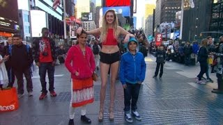 Woman with 4-Foot-Long Legs Looking For a Man: I Need Someone of My Stature