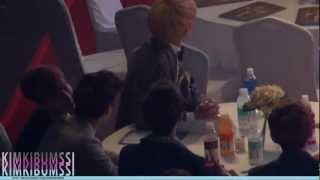 [HD fancam] 130131 seoul music awards - SHINee & jimmy jib ^_T table 3 (LeeHi 1,2,3,4)