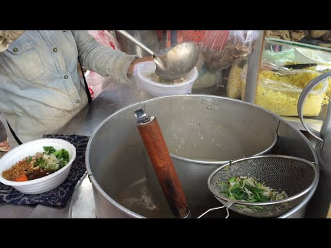 Asian Street Food - Fast Food Street in Asia, Cambodian food #62, Noodles Beef, Pho