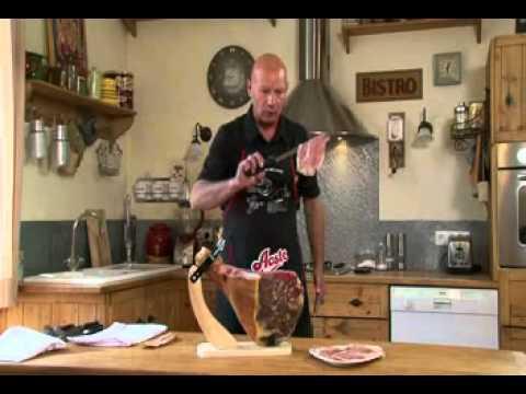Apprenez la d coupe de jambon cru avec aoste youtube - Comment couper un jambon iberique ...