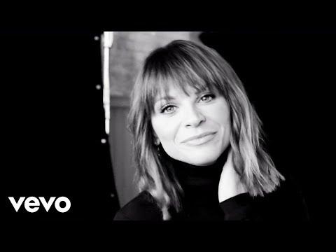 Смотреть клип Alessandra Amoroso - Immobile 10+1