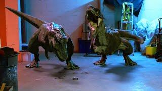 最凶恐竜脱走!捕獲命じられた特殊部隊は恐竜の強さを見せるための実験台だった/映画『ジュラシック S.W.A.T 対恐竜特殊部隊』予告編