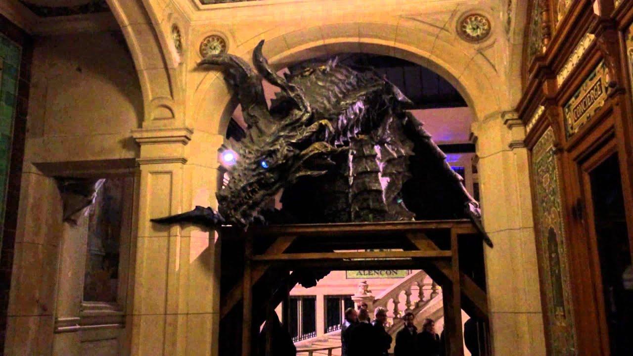 Le Manoir De Paris Animated Entrance Dragon Youtube