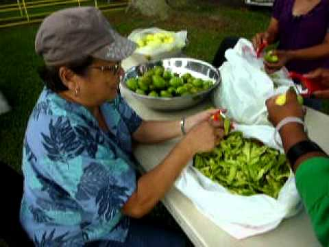 Peeling and cutting green mangos for pickled mango youtube peeling and cutting green mangos for pickled mango ccuart Choice Image