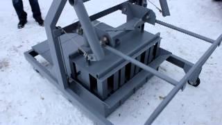 Станок для изготовления шлакоблоков(89273312611 Изготавливаем вибростанки с ручным и механическим подъемом, цены от 8000 до 65000 руб., для производства..., 2012-11-24T14:20:58.000Z)