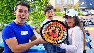 Jason orders healthy sushi food