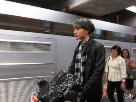 Natthew - เดินทางกลับไทย @ สนามบินสุวรรณภูมิ 3-12-14