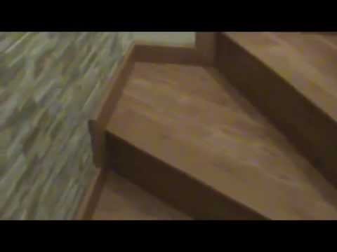 Duela laminada en piso y escalera de concreto youtube for Pisos para escaleras de concreto