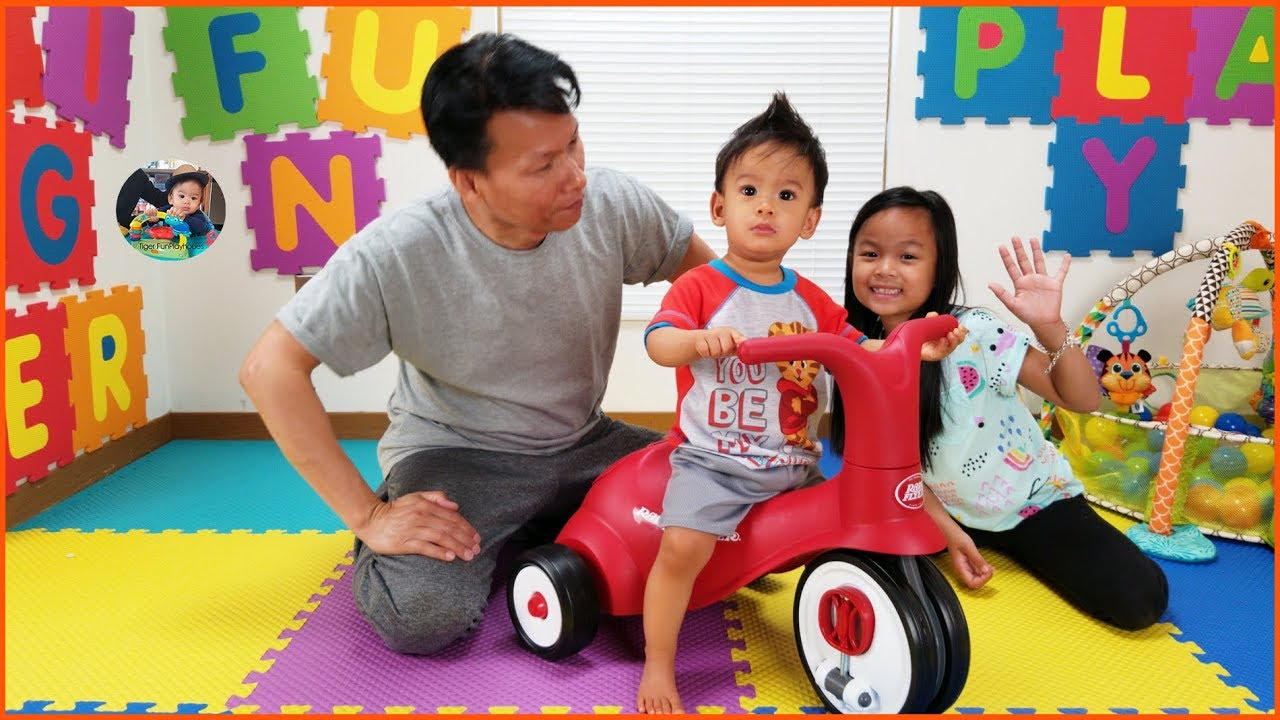Baby First Try On Radio Flyer Scoot 2 Pedal Ride On Bike | Radio Flyer Scoot  2 for Kids - YouTube
