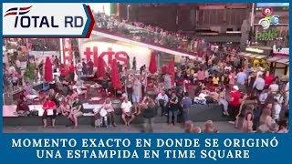Momento Exacto En Donde Se originó Una Estampida En Time Square Por El Sonido De Una Motocicleta