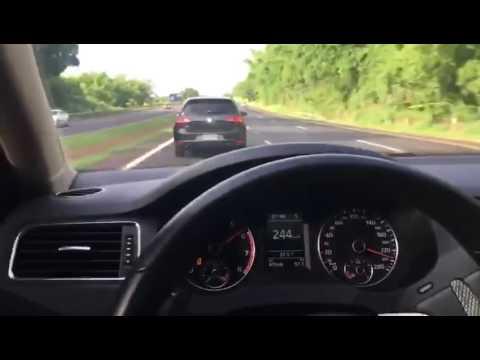 VW Jetta TSI vs VW Golf MK7 GTI +250km/h