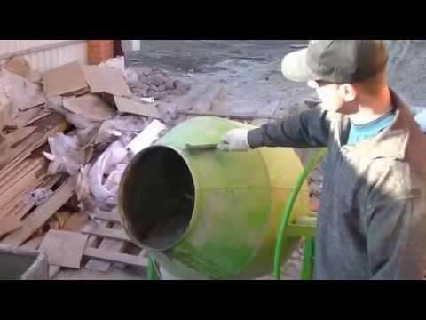 Песок, щебень и цемент: в каком порядке засыпать в бетономешалку