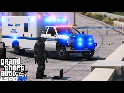 GTA 5 LSPDFR Police Mod 376 | LSPD Bomb Squad Disarming Explosives & Savings Citizens Of Los Santos