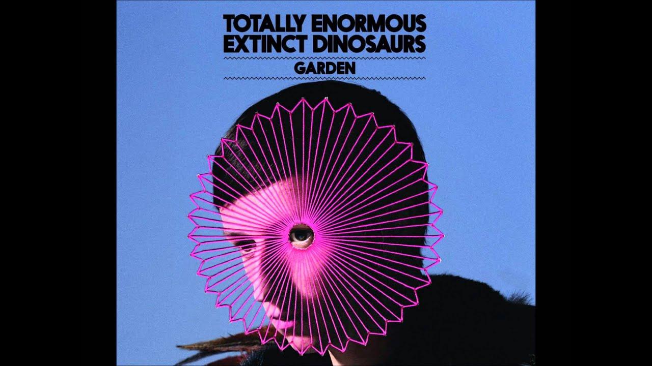 totally-enormous-extinct-dinosaurs-garden-indiemusic-milkyway