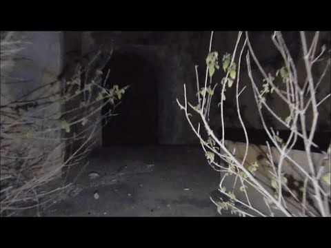 Haunted Abandoned Quarantine House at Night - Urban Exploration - URBEX - Ghost Hunting