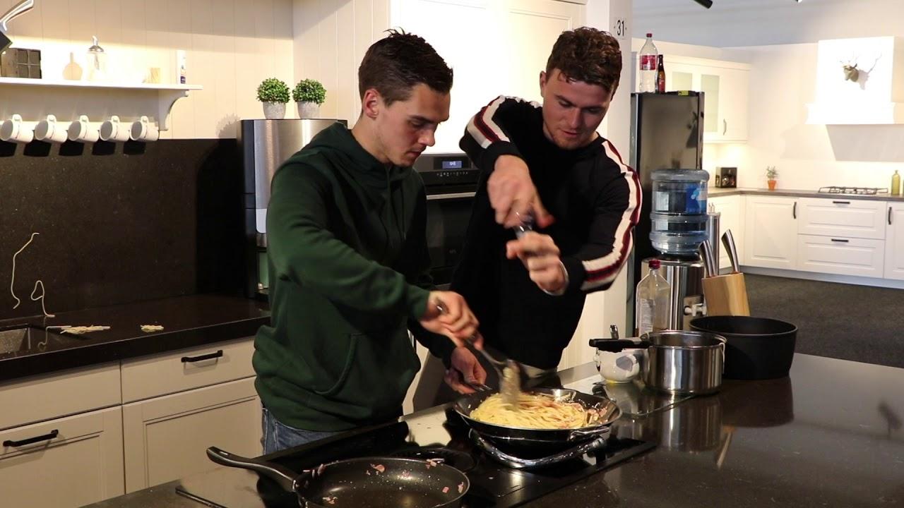 Keuken Warenhuis Dordrecht : Fc dordrecht in de keuken bij keukenwarenhuis deel youtube