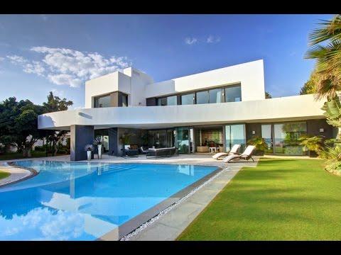 Luxury Beachfront Villa for sale in Los Monteros