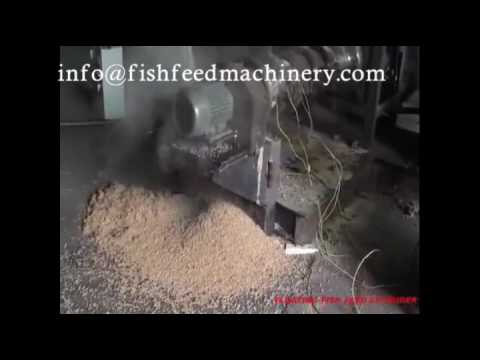 Floating fish feed extruder producing fish feed pellets