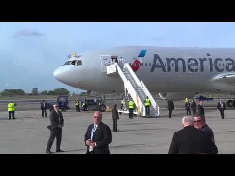 The Pope in America (switching aircraft)